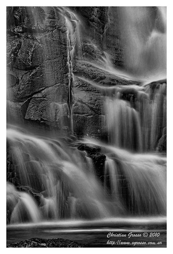 "Cascada • <a style=""font-size:0.8em;"" href=""http://www.flickr.com/photos/20681585@N05/4880192711/"" target=""_blank"">View on Flickr</a>"