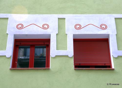 Ventanas en un edificio de la calle Compañía