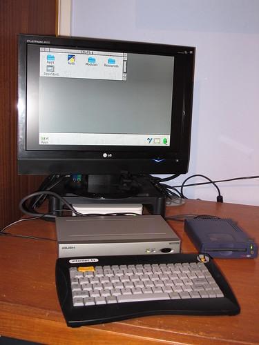 Bush IBX200 running Risc OS