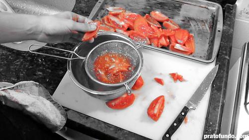 Como se faz: Molho de Tomate Picante