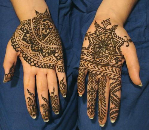 courtney hands