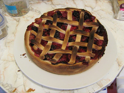 blackberry and raspberry pie
