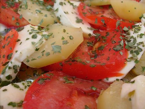 Salade de pommes de terre, tomates et mozzarella / Potatoes, tomatoes and mozzarella salad