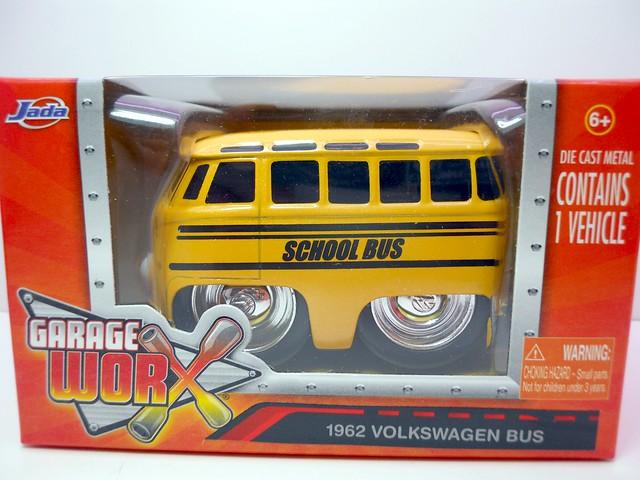 jada toys chub city 1962 volkswagen bus (1)