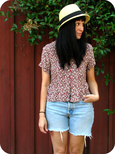 OUTFIT POST: FLORAL TOP