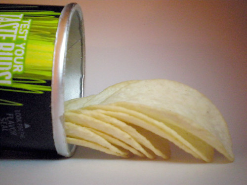Screamin' Dill Pickle Pringles