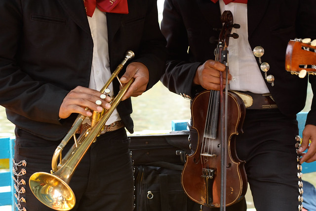 Headless musicians