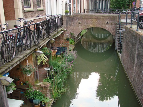 Life on a Canal
