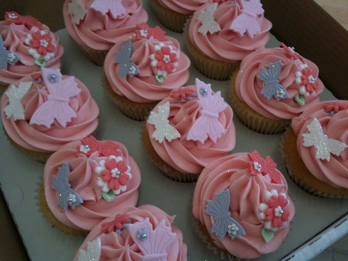 Cirencester Cupcakes - Pink & Girly Hen Weekend Cupcakes