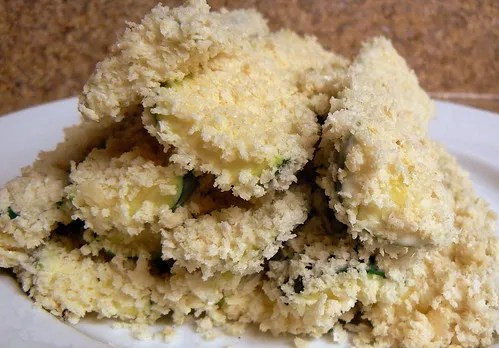 Maggiano's Fried Zucchini with Lemon Dip (4/6)