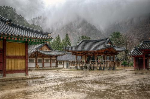 Baekdamsa Temple