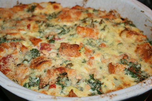 Strata with parsley, onion and tomato
