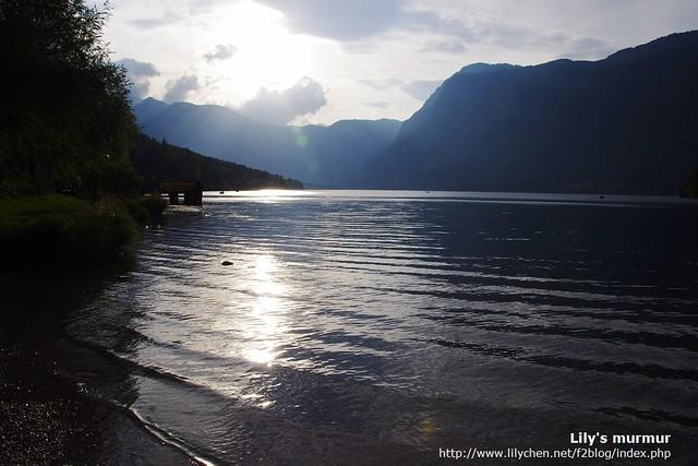 走到Bohinj湖邊,微風吹拂,好希望時間就此靜止。