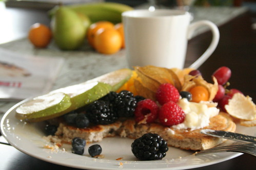 Protein Pancakes and Fruit