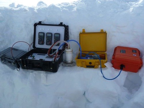 the permeameter measures flow of air through snow