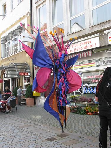 Seltsame Gestalt in Bielefelds Altstadt