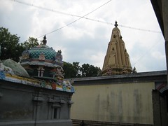 Kasi Viswanathar and Moohambigai shrines