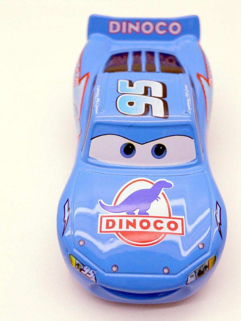 tomica disney cars dinoco lightning mcqueen (5)