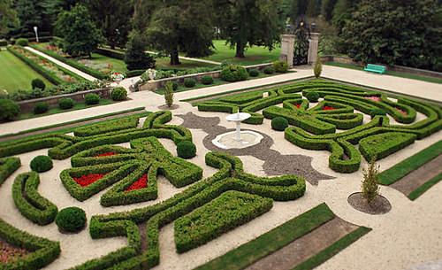 boxwood-garden