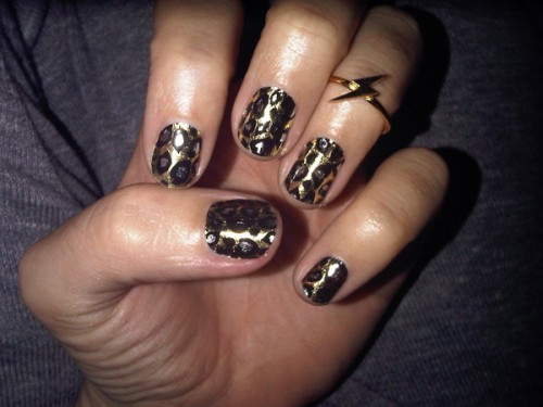 katy-perry-minx-nails-leopard-500x375