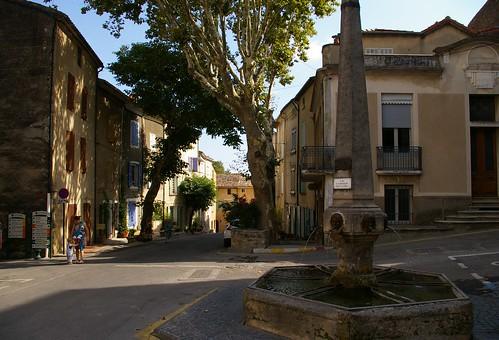 Cucuron, la Place et la Grande Fontaine, August 2010