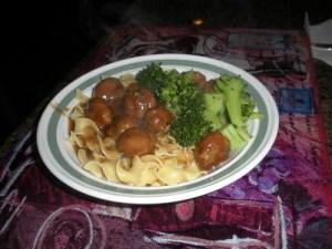 Pasta con polpettini e broccoli