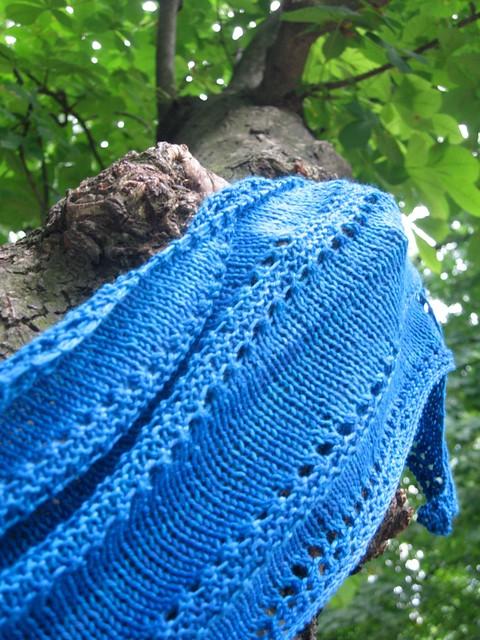 Azzuro shawl
