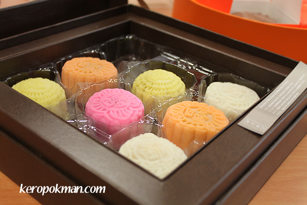 Mooncakes - Fairmont Hotel / Swissotel