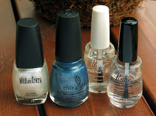 Blue gradient manicure polishes