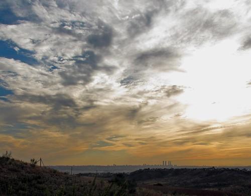 Cielo y skyline