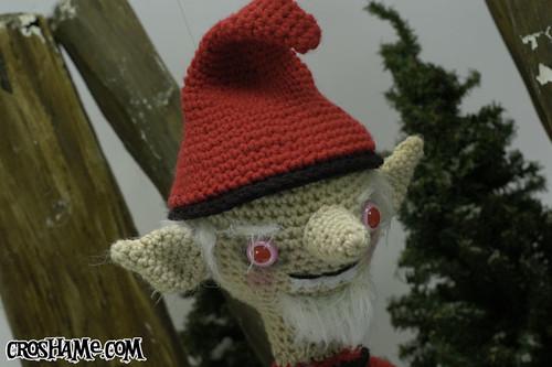 Evil Elf: Gorey (closeup)