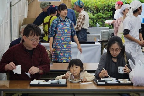 Family eating soba