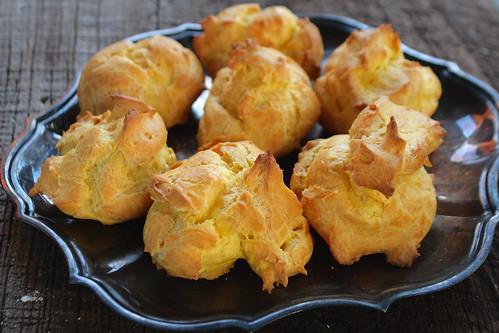 Plain cream puffs