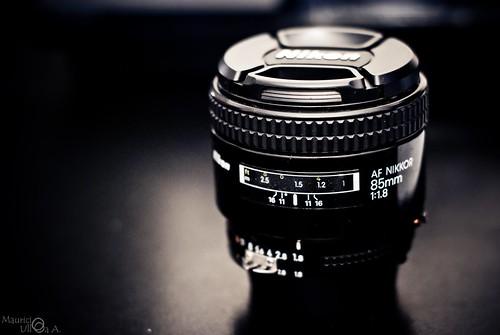 Nikkor 85mm f/1.8 AF D.
