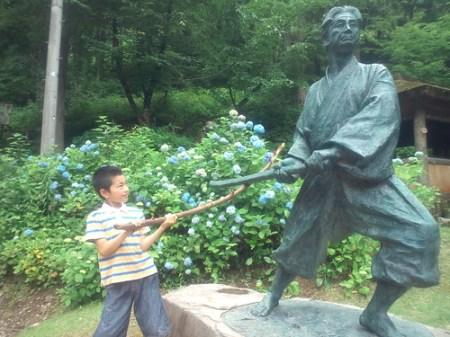 小次郎と戦う