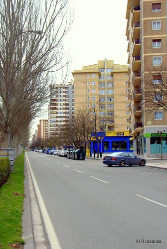 La avenida de Sancho el Fuerte casi vacía de coches.