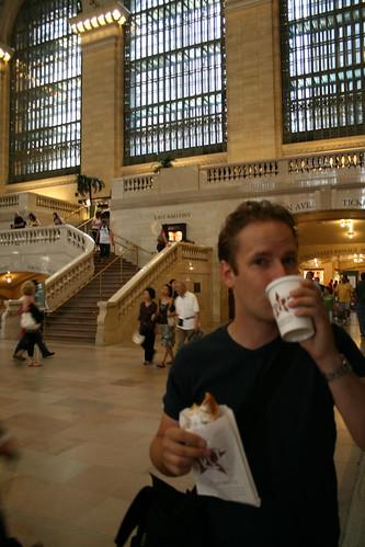 Grand Central Station, Breakfast!