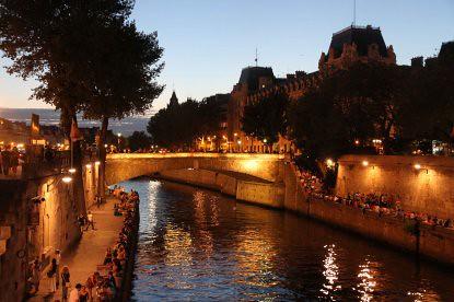 10g13 Noche 13 julio Seine y varios021 Petit Pont desde el Pont au Double