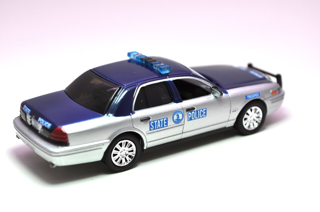 greenlight hot pursuit virginia state police crown victoria (3)