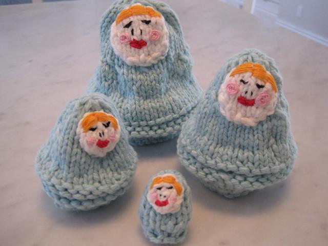 Knitted nesting dolls