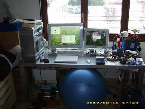 Desk G5