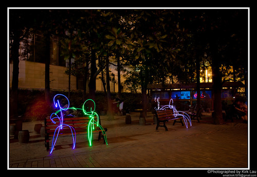 [FlickrMeet] Light painting: Just chilling in the park