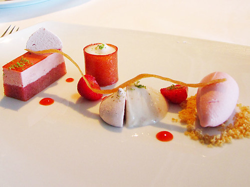 IMG_0518 strawberry trifle