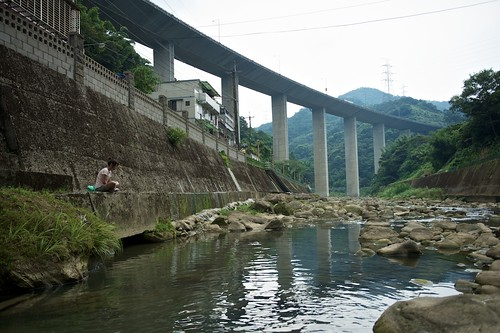 Very high highway overpass above a small vilage in Taiwan