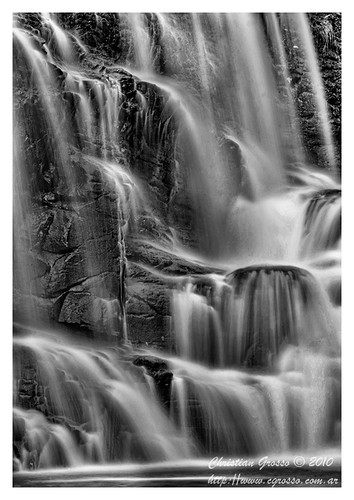 "Cascada • <a style=""font-size:0.8em;"" href=""http://www.flickr.com/photos/20681585@N05/4879260325/"" target=""_blank"">View on Flickr</a>"