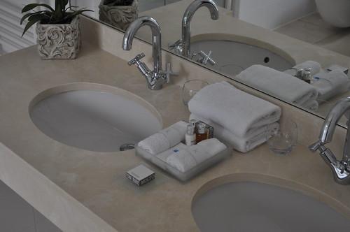 Cathy's hotel bathroom