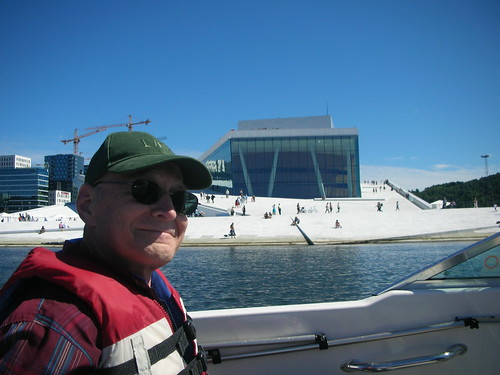 Dad visits the Opera House by boat