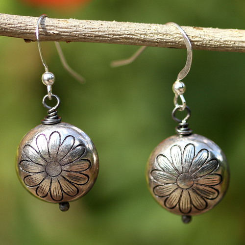 Pewter daisy baubles
