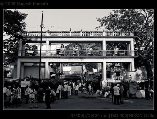 Arch with statues of Pandavas to the Bheemeswara temple | Kaivara