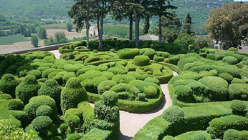 the-topiary-garden-and